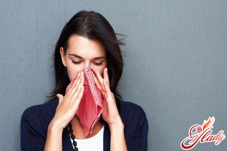 неприятная аллергия на пыль
