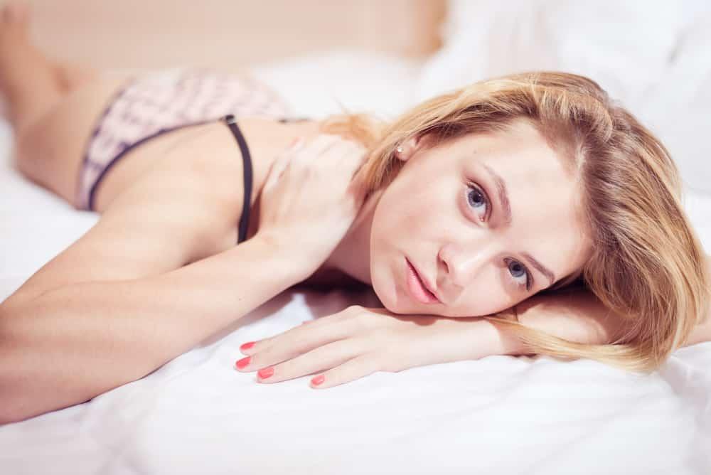 Девушка при сексе не испытывает оргазм