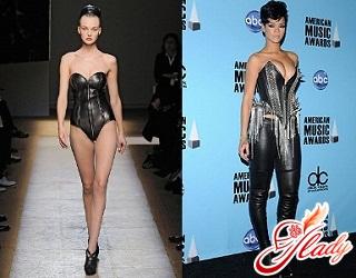 модные корсеты 2011