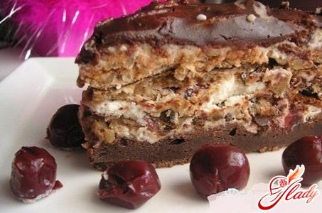 торт шоколадный с орехами