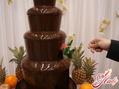 Праздник не будет скучным с шоколадным фонтаном