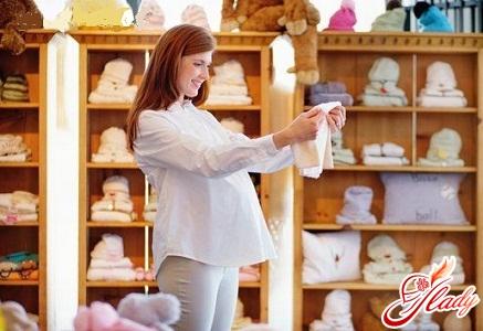 Что нужно взять в роддом, список для мамы после родов: 1. Легкий халат и...