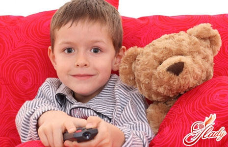 можно ли детям смотреть телевизор