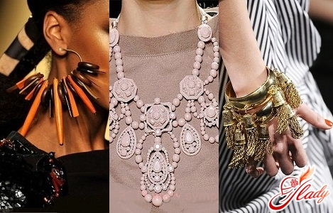 модная бижутерия 2011