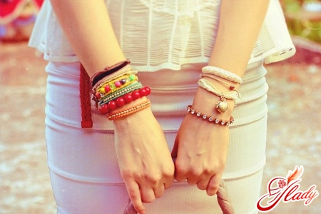 модные браслеты 2011
