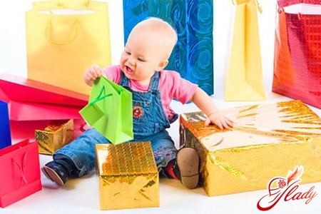 подарок ребенку на 1 год