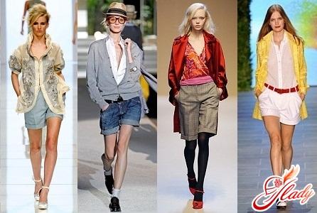 зимние женские шорты классические