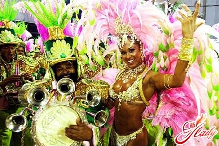 костюмы на бразильском карнавале