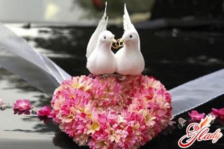 украсить свадебную машину своими руками