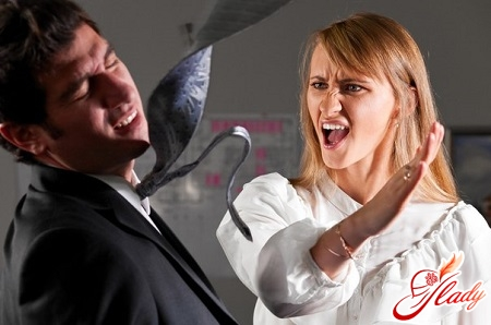 что делать если бьет муж