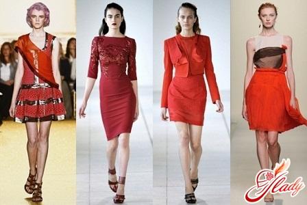 красное маленькое платье