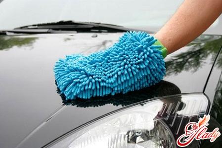 закрасить царапину на машине