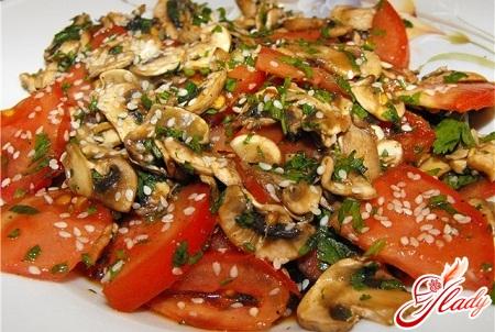 вкусный салат с сырыми шампиньонами