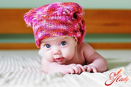 Вязанные шапочки для новорожденного с схемой