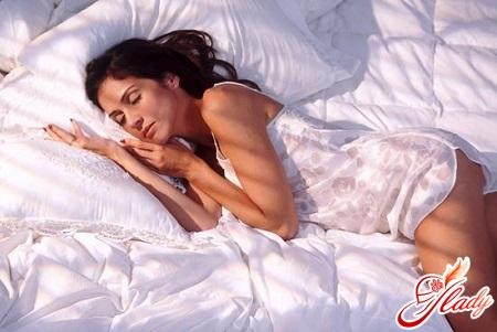 Позы сна и характер человека