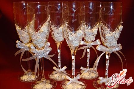 украшение бокалов на свадьбу