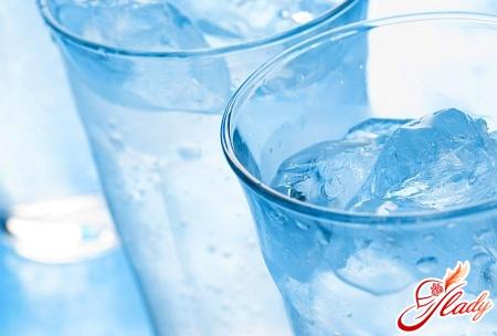 без воды человек может прожить
