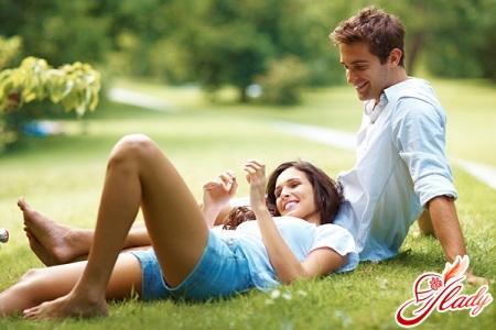 Как понять влюбился ли в тебя парень