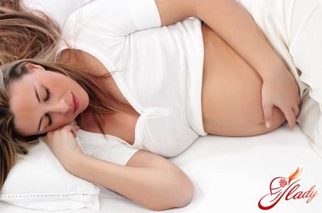 предотвращение растяжек во время беременности