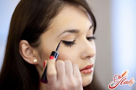 макияж увеличивающий глаза