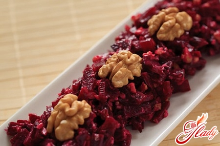 салат из свеклы с орехами рецепт