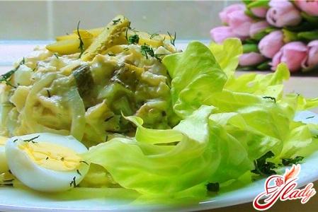 салат с соленым огурцом