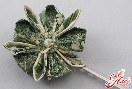 красивые цветы из денег своими руками
