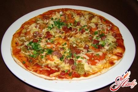 вкусная начинка для пиццы с колбасой