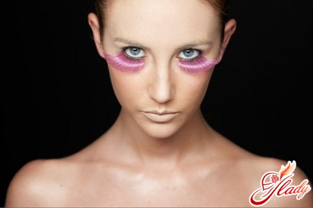 Синяки под глазами: причины их появления