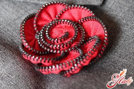 брошь цветок из ткани своими руками
