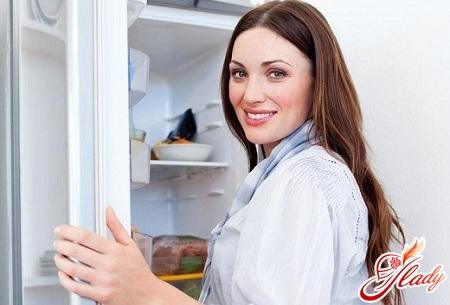 как устранить запах в холодильнике самостоятельно