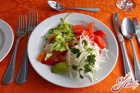рецепты простых салатов заправленные растительным маслом