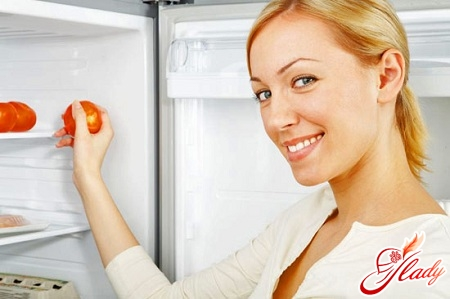 противный запах в холодильнике