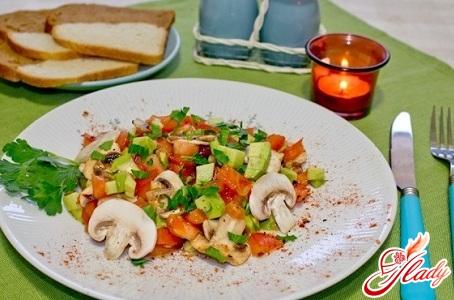 салат из шампиньонов консервированных