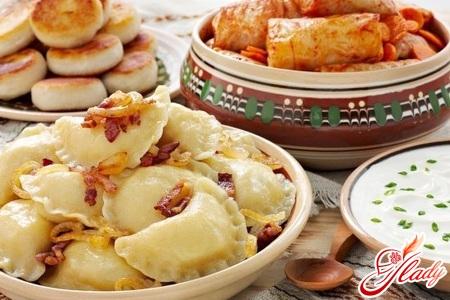 вкусные вареники с сырой картошкой и салом
