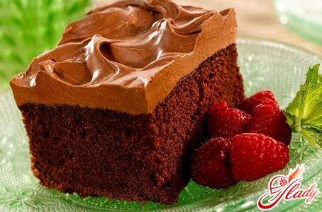 торт бисквитный шоколадный