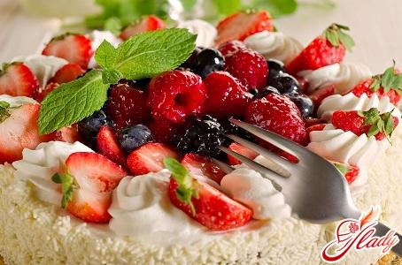 вкусный бисквитный торт со сметанным кремом