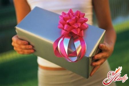 как развести мужчину на подарки