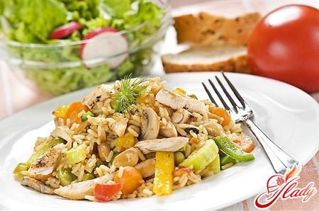 Салат с шампиньонами мясом