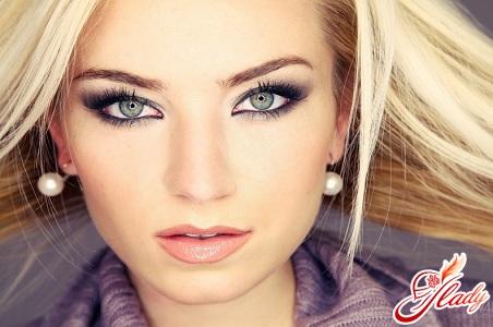 макияж для блондинок с голубыми глазами