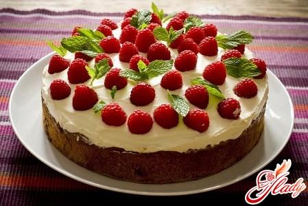 торт с бисквитными коржами