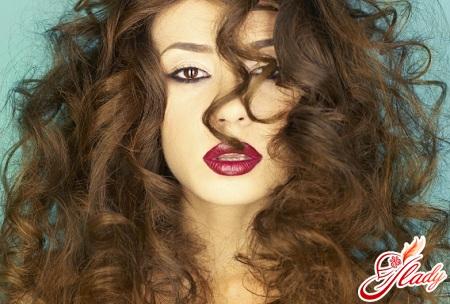 уход за волнистыми волосами
