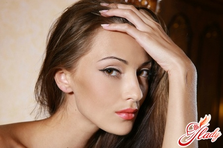 красивый профессиональный макияж дома