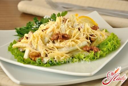 Салат из сыра и яблок рецепт
