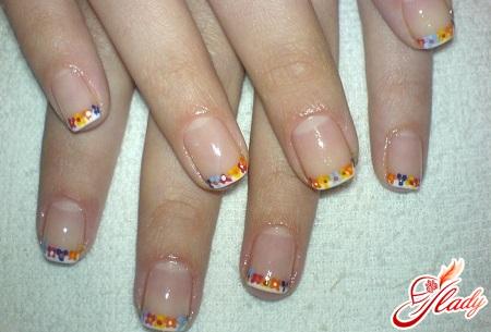 маникюр на коротких ногтях френч