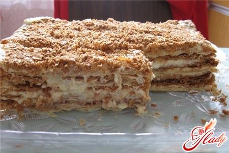 вкусный торт из печенья со сгущенкой