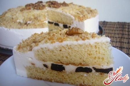 торт с орехами и черносливом