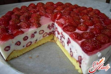 торт творожный с вишней