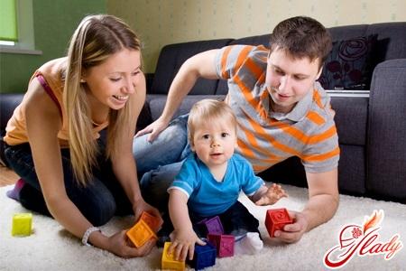 правильное развитие ребенка в 11 месяцев