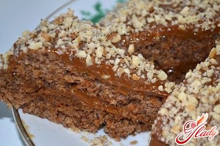 торт с вареной сгущенкой и грецкими орехами